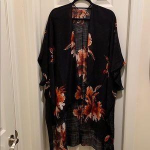 Other - 🔥NWT🔥 Boutique Kimono, Black w/ Floral, O/S